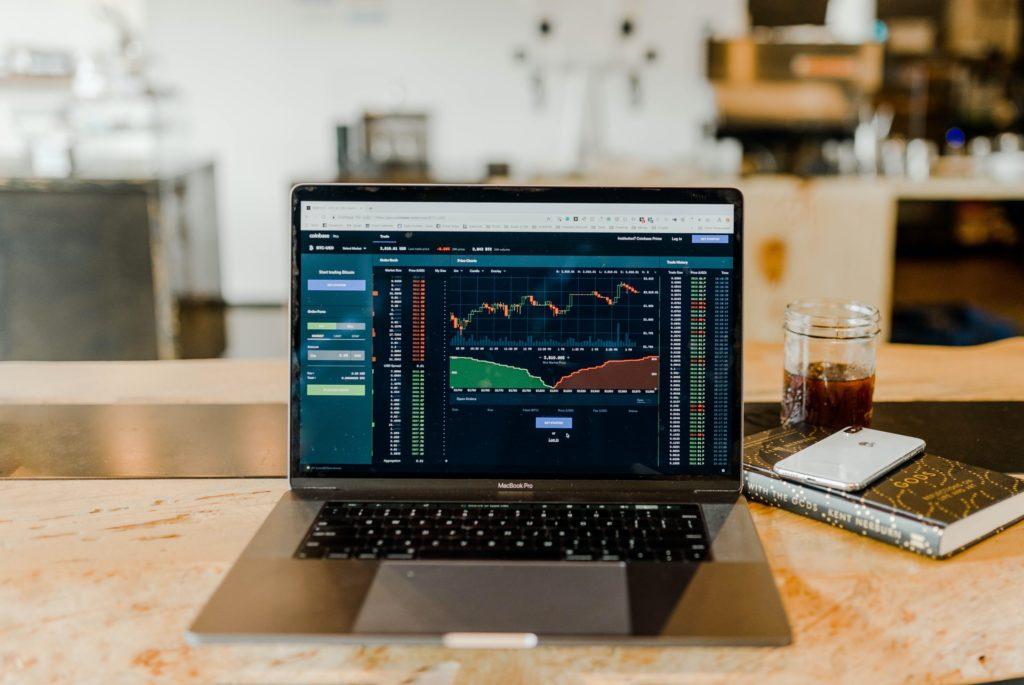 Trading automatico: vediamo se esistono dei software appositi